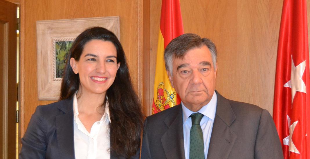 Rocío Monasterio (VOX) y Luis González (COF de Madrid).