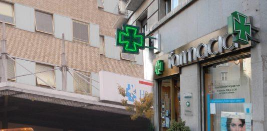 hospital y farmacia